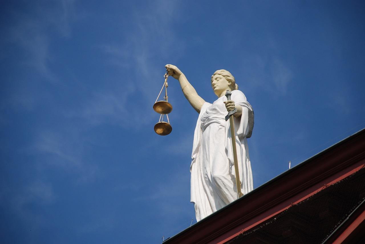 W czym pomoże nam adwokat?